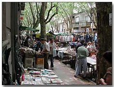 Feria de Tristán Narvaja, Uruguay / Flea Market at Tristán Narvaja Street - Montevideo, Uruguay