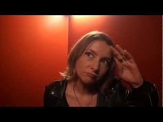 ▶ Portraits parisiens : Céline - YouTube