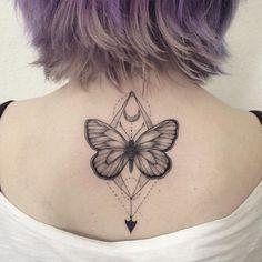 Las 18 Mejores Imágenes De Tatuajes De Mariposas En La Espalda En