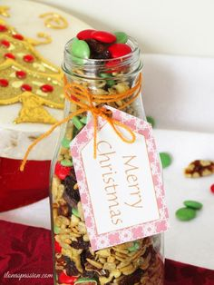 Gift Idea: Trail Mix Recipe + Free Printable Christmas Tags by http://ilonaspassion.com