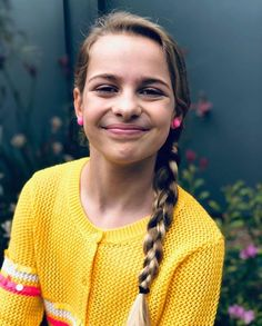 [New] The 10 Best Braid Ideas Today (with Pictures) - Sockie will always be gorgeous no matter what Georgia Productions, Famous Youtubers, Things To Do When Bored, True Legend, Youtube Stars, Celebs, Celebrities, Cute Photos, Role Models