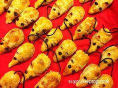 Kindertraktaties: Appelflap-muisjes Healthy Meals For Kids, Healthy Treats, Kids Meals, Food Crafts, Diy Food, Kids Party Treats, Birthday Snacks, Fruits For Kids, Little Presents