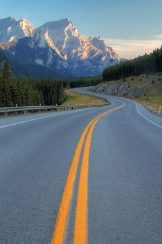 A Canadian road trip. | Seen here: Kananaskis Country, Canadian Rockies.