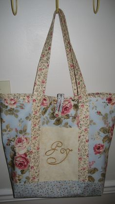 shabby chic machine embroidery designs | Shabby Chic Monogrammed Tote – Sewing Projects | BurdaStyle.com