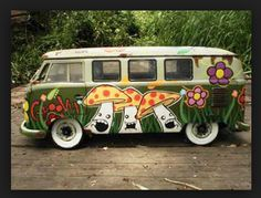 VW Camper van bus - Far out Friday and mushrooms (magic? Volkswagen Transporter, Volkswagen Bus, Vw T1, Combi Hippie, Hippie Car, Hippie Chick, Flower Power, Vans Vw, Combi Ww
