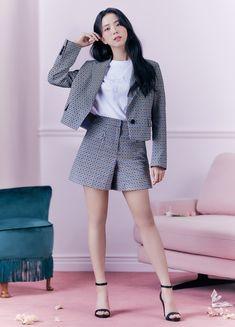 Blackpink Fashion, Korean Fashion, Fashion Outfits, Black Pink ジス, Blackpink Photos, Blackpink Jisoo, South Korean Girls, Korean Girl Groups, Kpop Girls