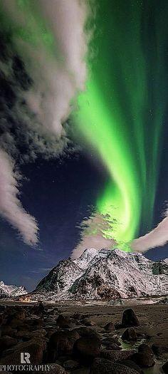 aurora borealis -- norwegen lofoten-- northern lights #by Lorenzo Riva