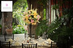 La decoración floral ideal para tu boda en San Miguel de Allende por www.bougainvilleabodas.com.mx Bodas San Miguel de Allende