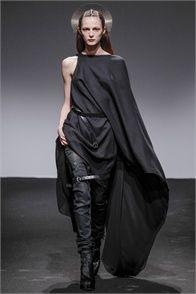 Sfilata Nicolas Andreas Taralis Paris - Collezioni Autunno Inverno 2013-14 - Vogue