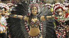 Mangueira desfila no segundo dia de Carnaval no Rio - Fotos - UOL UOL Carnaval 2012