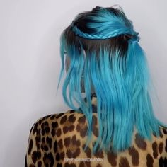 185 silver hair color ideas and tips for dyeing, maintaining your grey hair -page 22 > Homemytri. Pretty Hairstyles, Braided Hairstyles, Hairstyles 2018, Curly Hair Styles, Natural Hair Styles, Braids For Black Hair, Grunge Hair, Silver Hair, Hair Videos