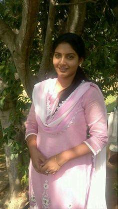 Beautiful Girl Indian, Most Beautiful Indian Actress, Beautiful Saree, Most Beautiful Women, Beauty Full Girl, Cute Beauty, Beauty Women, Black Beauty, Indian Natural Beauty