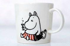 Mamman seitinohut päiväkänni. Tove Jansson, My Cup Of Tea, Marimekko, I Laughed, Tea Cups, Artsy, Snoopy, Drawings, Funny