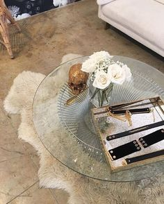♔➸Let's go find a place to get lost➸♔ Gold Interior, Interior And Exterior, Interior Design, Comfy Cozy Home, Aesthetic Rooms, Home Decor Inspiration, Decoration, Interior Architecture, Sweet Home