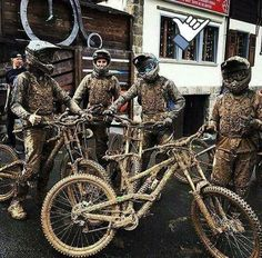 As a beginner mountain cyclist, it is quite natural for you to get a bit overloaded with all the mtb devices that you see in a bike shop or shop. There are numerous types of mountain bike accessori… Road Cycling, Cycling Bikes, Mtb Enduro, Bmx Cycles, Montain Bike, Mt Bike, Downhill Bike, Mountain Bike Trails, Bike Life