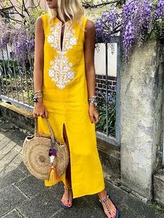 best=Cotton Floral Sleeveless Maxi Shift Dress , We carry the best designer prom dresses! You find the latest prom fashion styles to make your big night perfect! Women's Dresses, Dresses Online, Casual Dresses, Dresses With Sleeves, Daytime Dresses, Sleeveless Dresses, Fashion Dresses, Long Dresses, Shift Dresses