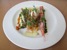 Gino D'Aquino  / Filet de dorade et homard ròti avec anchois canelloni de courgette  farci de ricotta et olive noir ,berneaise et  tomate   / Gino D'Aquino
