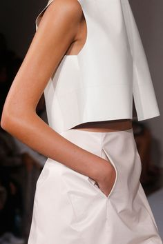 Minimal fashion modern style - nice shaping to the top with slit