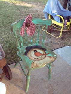 adorable chair How can you not Love a Snowman! Primitive Crafts, Primitive Christmas, Country Christmas, Christmas Snowman, Christmas Crafts, Christmas Decorations, Wood Crafts, Snowman Crafts, Christmas Projects