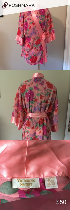 Victoria Secret Flower Satin Robe Pretty peaches, pinks, purples, blushes with flower pattern.🌺🌸🌷so pretty Victoria's Secret Intimates & Sleepwear Robes