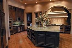 arch hood over stove Interior Lighting, Lighting Design, Hoods Over Stoves, Kitchen Design, Kitchen Ideas, My Dream Home, Future House, Home Kitchens, Kitchen Remodel