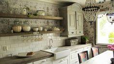 maalaisromanttinen keittiö - Google-haku Kitchen Cabinets, Room, Envy, Google, Home Decor, Barn, Bedroom, Decoration Home, Converted Barn
