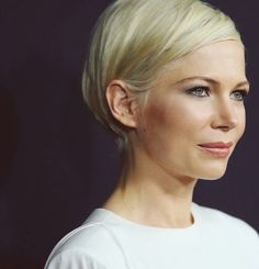 Michelle Williams stylish bob - Hairstyles For All Prom Hairstyles For Short Hair, Homecoming Hairstyles, Hairstyles With Bangs, Pretty Hairstyles, Short Hair Cuts, Pixie Cuts, Braided Hairstyles, Great Hair, Hair Dos