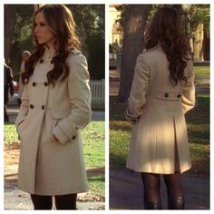 """Melinda Gordon's (Jennifer Love Hewitt) khaki trench coat on Ghost Whisperer Season 4 Episode 17 """"Delusions of Grandview"""""""