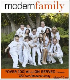 modern family modern family only show that makes me laugh pinterest serien fernsehserie. Black Bedroom Furniture Sets. Home Design Ideas