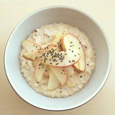 Vanilla Sprouted Oats with Cardamom Stewed Apple + Black Sesame. #breakfast #healthy #fruit #slowfood #sprouted #vegan #vegetarian #porridge #oatmeal