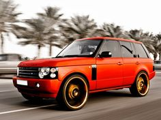 Land Rover Range Rover. I will make mine look just like that but in black. #sick