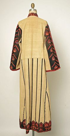 Dress      late 19th–early 20th century      Macedonian Greece       linen, wool