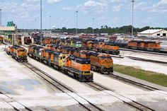 https://flic.kr/p/V8jgwT | BNSF Galesburg Yard | Their was a lot of movement going on at the BNSF Galesburg Classification Yard/Diesel Facility. A wide range of paint scheme, and different types of locomotives cover part of the Diesel Shop fuel rack lead. Paint scheme from the fallen flags such as the Burlington Northern Cascade Green, Santa Fe Blue, and Warbonnets all the way up to all three of the BNSF Railway Heritage Paint Scheme, and foreign railroads like Norfolk Southern. BNSF…