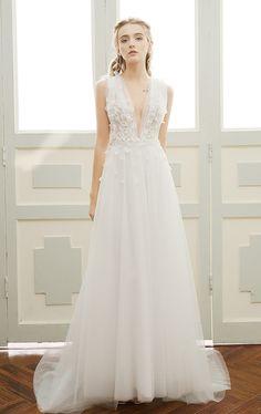Stunning v neck wedding dresses 3