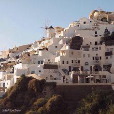 Views of #Oia in #Santorini, #Greece... See more on #Instagram: www.instagram.com/upandatemtravel ... Photo: A Roberts-Tse (Up&AtEm Travel)