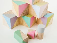DIY-Anleitung: Holzbausteine in Pastelltönen selber machen via DaWanda.com