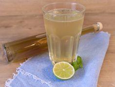 Limetten Basilikum Sirup Pint Glass, Glass Of Milk, Fett, Tableware, Basil, Syrup, Home Canning, Dinnerware, Dishes