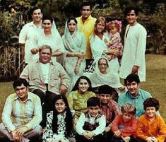 In pics: The Prithviraj Kapoor family tree. Five generations of the Kapoor family have been associated with Bollywood. Let's have a look at Bollywood's first family Bollywood Stars, Bollywood Cinema, Bollywood Actress, Indian Bollywood, Prithviraj Kapoor Family, Shashi Kapoor Family, Rare Pictures, Rare Photos, Shammi Kapoor