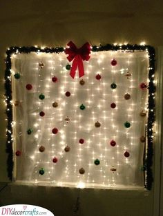 Are you in search of Christmas party decoration ideas? Then make sure to check out our pick of DIY Christmas party decorations! Christmas Party Backdrop, Christmas Photo Booth, Christmas Backdrops, Noel Christmas, Christmas Photos, Simple Christmas, Christmas Themes, Christmas Crafts, Christmas Party Decorations Diy