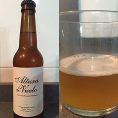 Altura de vuelo, cerveza Premium Valenciana. Malta de cebada y trigo. 4,2% Malta, Alcoholic Drinks, Bottle, Valencia, Glass, Gastronomia, Ale, Beer, Malt Beer
