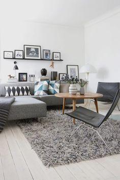 Eames chairs - White & black living room - decor room design home design design Living Room Interior, Home Living Room, Apartment Living, Living Room Designs, Living Room Decor, Apartment Couch, White Apartment, Carpet For Living Room, Apartment Interior