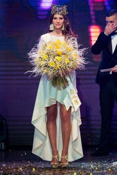 Laura Longauerová Crowned Miss World Slovak Republic 2014