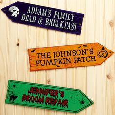 A Personal Creations Exclusive! Direct the way to Halloween fun with an eye-catching sign of the season.