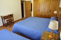 Vista del dormitorio de 3 camas de la planta superior