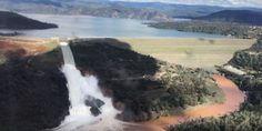 Derechos de autor de la imagen AP Image caption El agua ha causado la erosión del desagüe de emergen