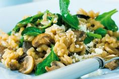 Rizoto s houbami a špenátem Risotto, Grains, Food And Drink, Ethnic Recipes, Foodies, Fit