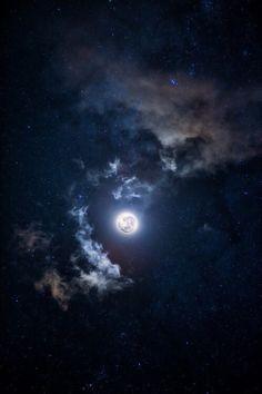 Sky full of stars on We Heart It Cosmos, Full Moon Tonight, Digital Foto, Luna Moon, Moon Moon, The Moon, Dark Moon, Midnight Sky, Moon Pictures
