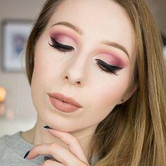 Dziś film z nową limitowaną edycją palety GlamBOX @glamshop.pl .. jeśli już ją macie, albo planujecie zakup to zapraszam na nowy odcinek na moim kanale ;) ❤️✌🏻️ PS na ustach mam @jeffreestarcosmetics #celebrityskin // #glamboxedycjai #glamshadows #glamshop #makeup #cutcrease