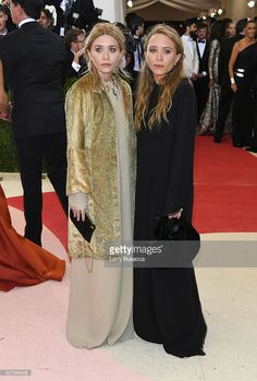 Ashley Olsen (L) and Mary-Kate Olsen attend the 'Manus x Machina: Fashion In An Age Of Technology' Costume Institute Gala at Metropolitan Museum of Art on May 2, 2016 in New York City.