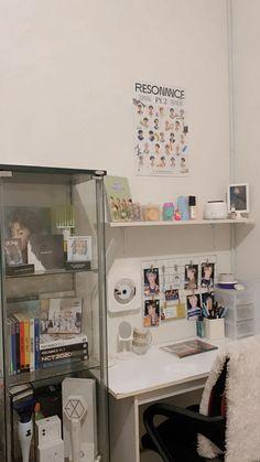 Room Design Bedroom, Room Ideas Bedroom, Home Room Design, Bedroom Decor, Army Room Decor, Study Room Decor, Desk Inspo, Desk Inspiration, Study Corner